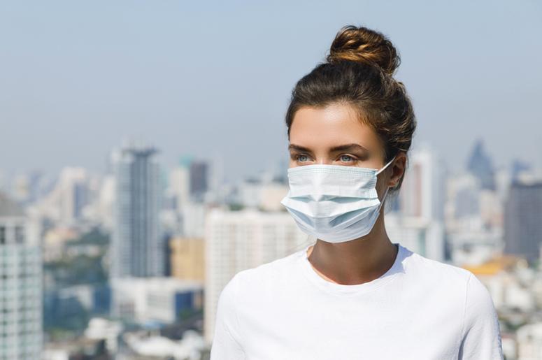 Почему носить медицинские маски (даже самодельные!) все-таки надо ...