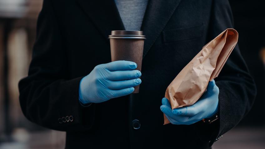 Нужно ли носить перчатки во время пандемии? Версии за и против - фото 2