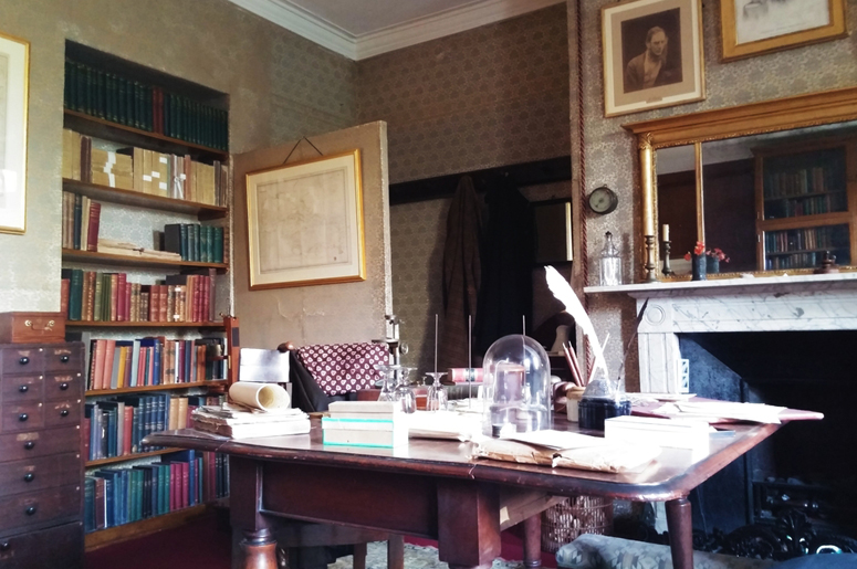 Рабочее место Чарльза Дарвина © Vicky Jirayu / Shutterstock.com